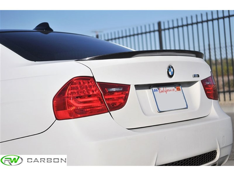 RW Carbon stocks the E90 M3 CF performance style trunk spoilers