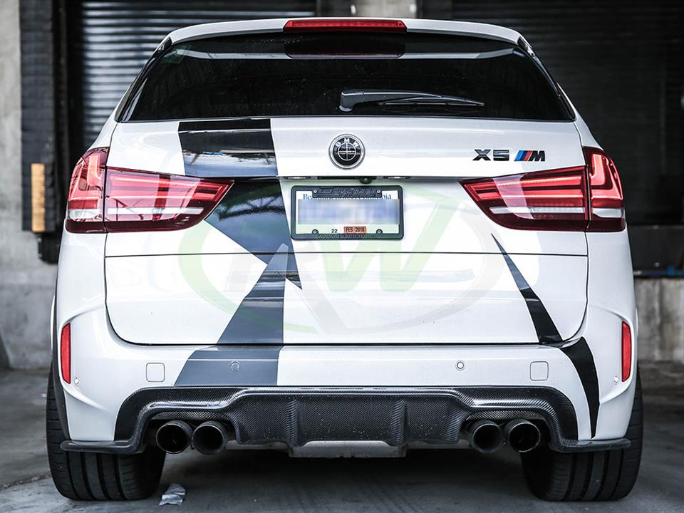 First Glimpse of the BMW F85 X5M 3D Style Carbon Fiber Diffuser Installed