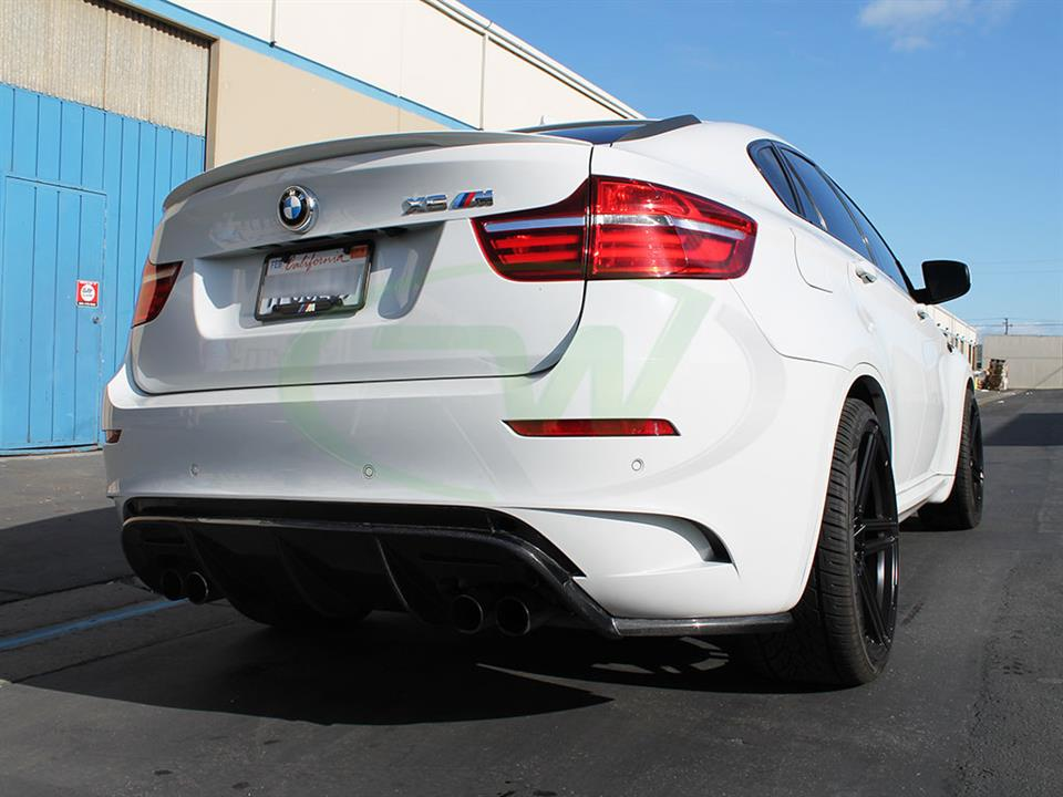 White BMW E71 X6M with an RW DTM Carbon Fiber Diffuser