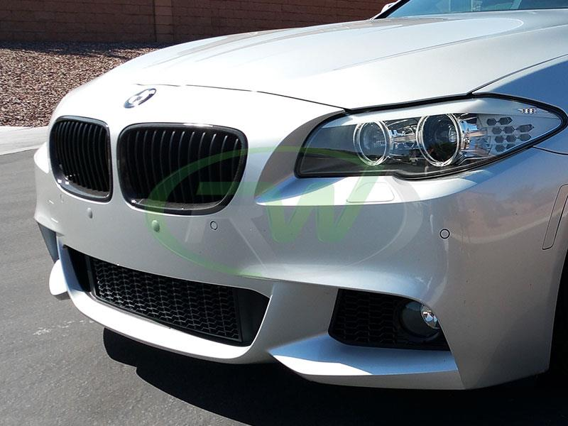 BMW F10 550i with a set of RW Carbon Fiber Kidney Grilles