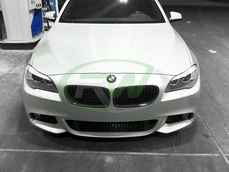 BMW F10 550i in silver with Carbon Fiber Kidney Grilles