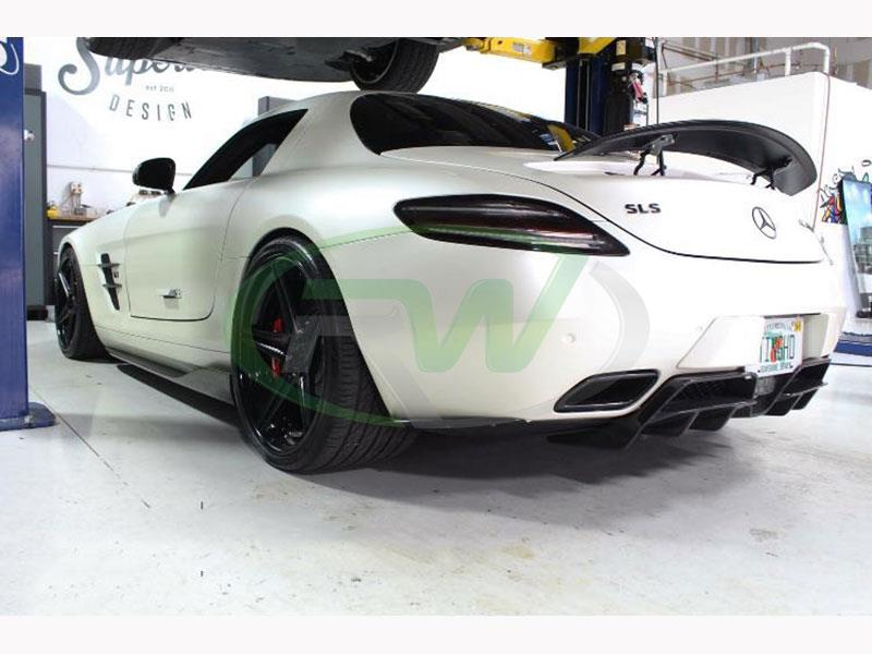 White Mercedes SLS AMG with Renn Style Carbon Fiber Side Skirt Extensions