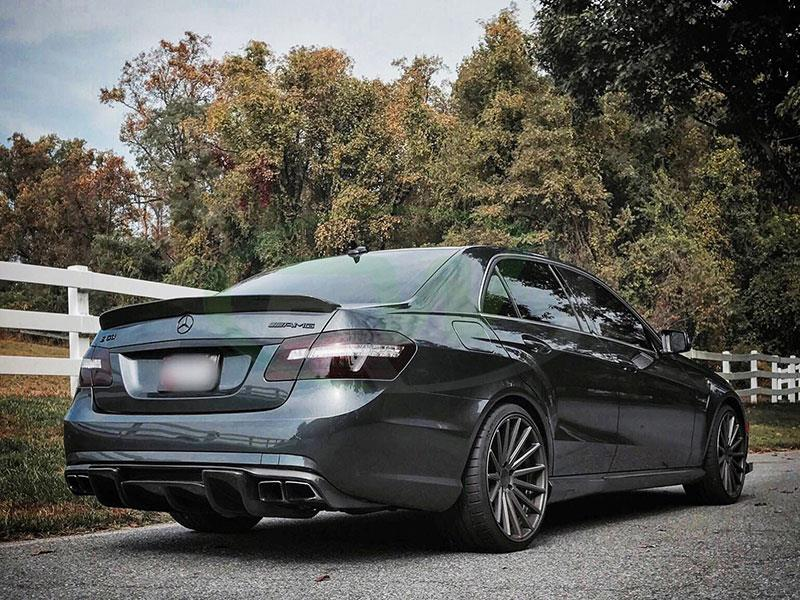 Mercedes W212 E63 AMG with the RW Carbon Renn Style CF Diffuser
