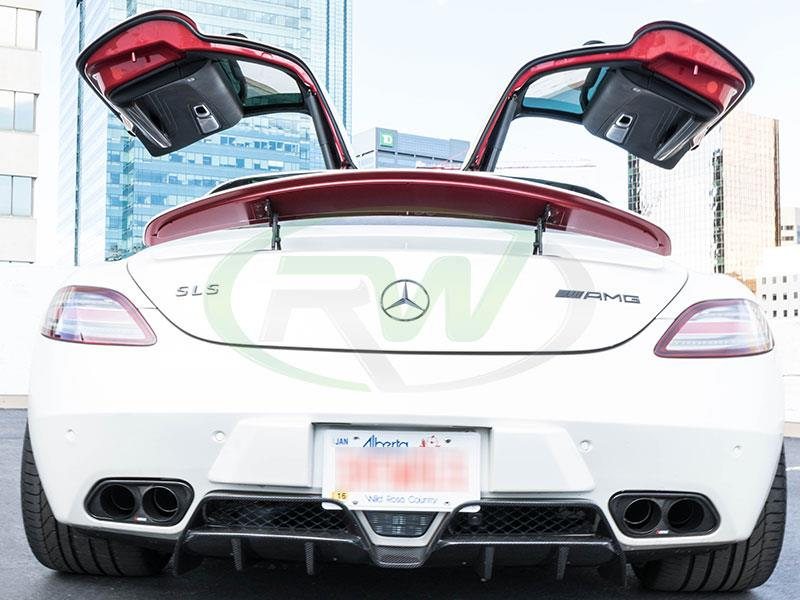 White Mercedes SLS AMG with an RW Renn Style Carbon Fiber Diffuser