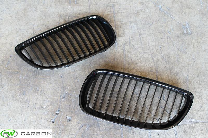 Get the best price and quick shipping when you choose RW Carbon for your BMW E92 E93 Gloss Black Kidney Grilles!