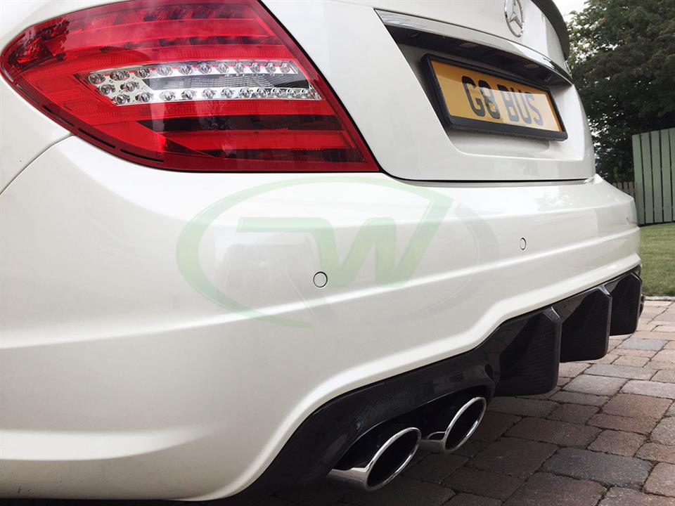 White Mercedes C63 AMG with the RW Big Fin Carbon Fiber Diffuser