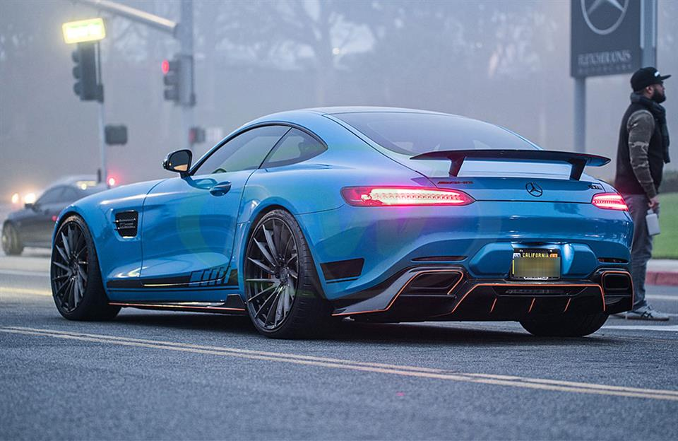 Mercedes C190 GTS in blue gets an RW Carbon Fiber Diffuser