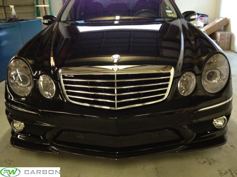The Mercedes W211 chrome grille installed on mercedes e550.