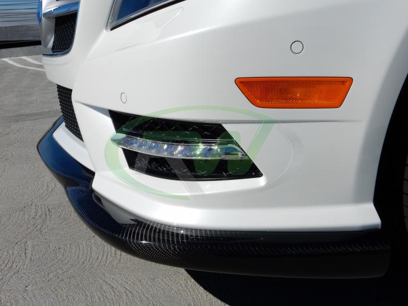 CLS550 wearing the RW Carbon CF front lip, W218