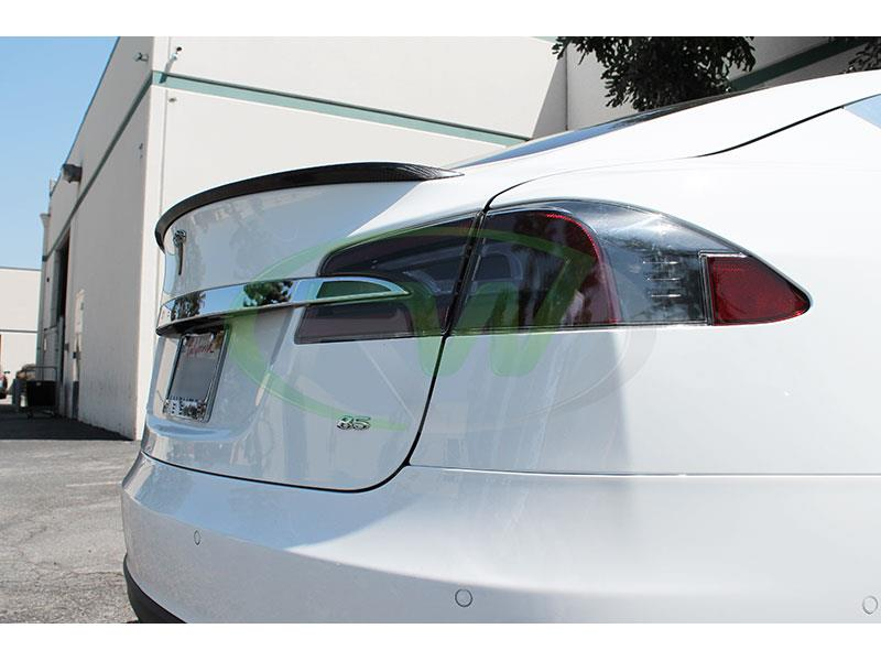 Tesla Model S in white with an RW Carbon Fiber Trunk Spoiler
