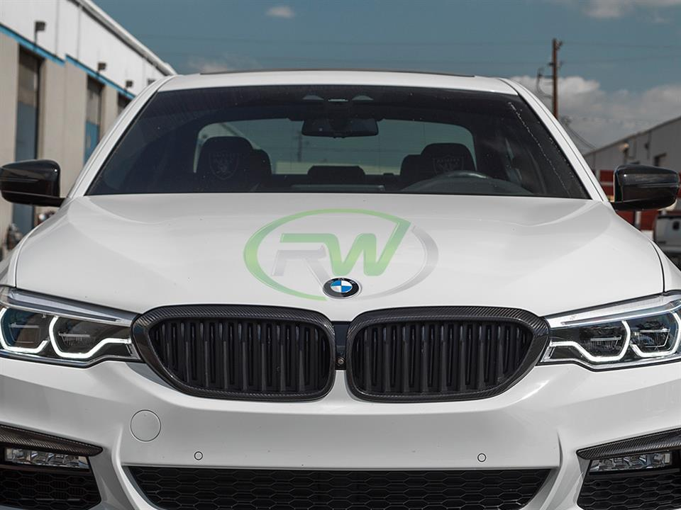 alpine white bmw g30 540i with rw carbon fiber cf grill replacements