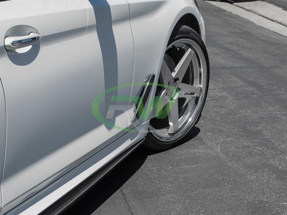 white bmw g30 540i 5 series with rw carbon fiber cf side vent covers