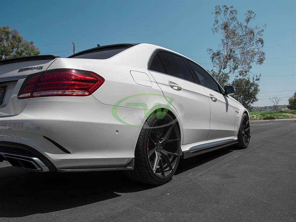 pearl white mercedes benz w212 e63s amg facelift with rw carbon fiber rear cf bumper splitters