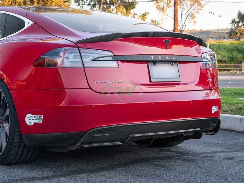 RW Carbon has now released a carbon fiber diffuser for the Tesla Model S