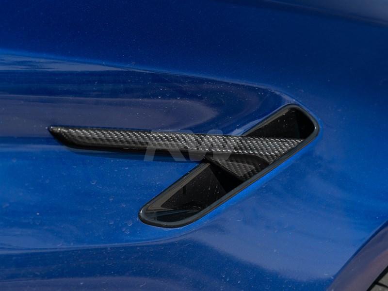 BMW F90 M5 fender trims in carbon fiber