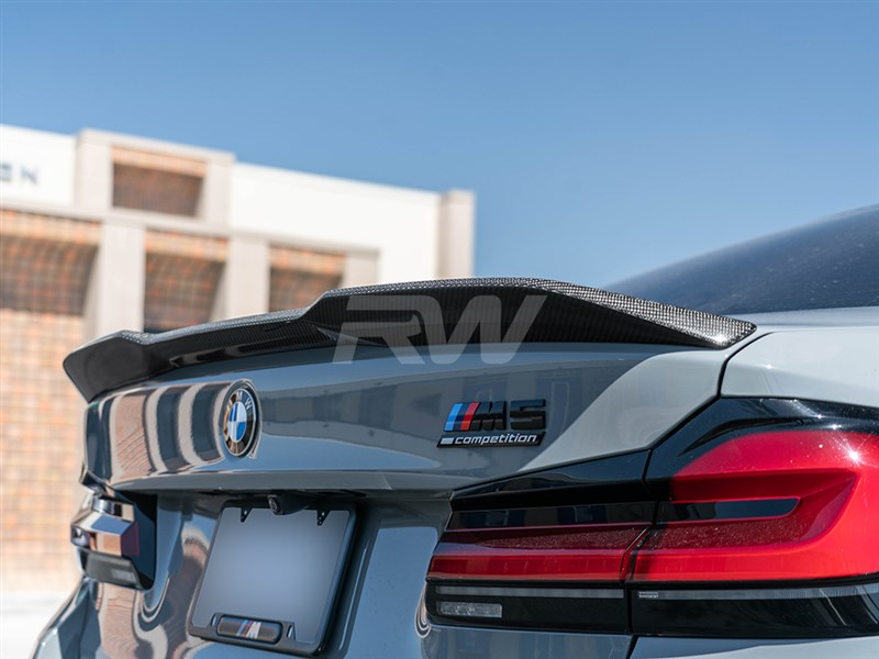 BMW F90 M5 performance style trunk spoiler in carbon fiber