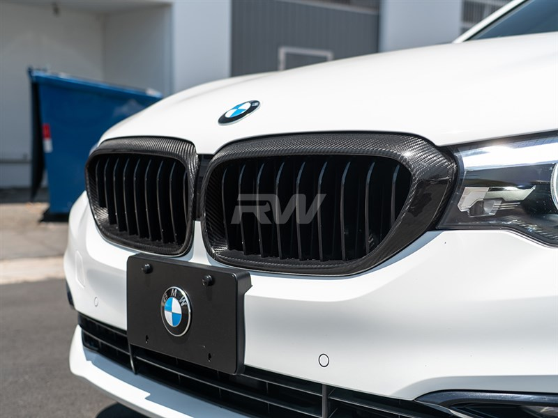 BMW F90 5 Series Carbon Fiber Grille Surrounds