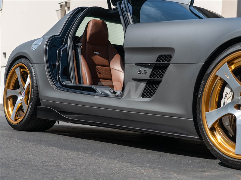 Complete your exterior carbon fiber look on your SLS AMG with these Renn style CF side skirts.
