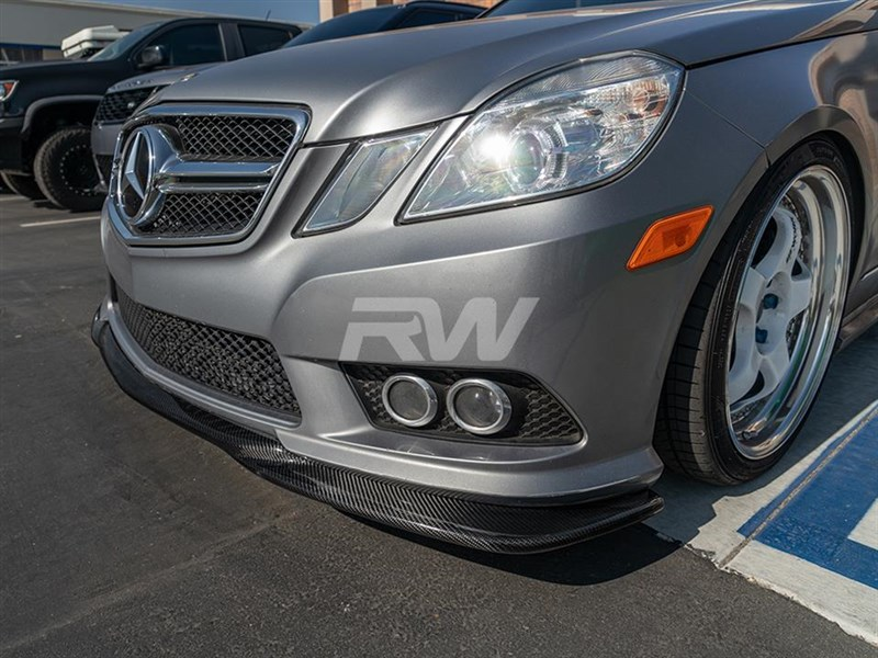 Click here to view Mercedes W212 AMG Style Front Bumper