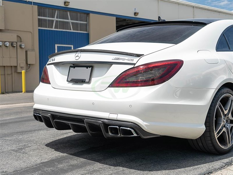 Click here to view Mercedes w218 CLS63 Renntech style rear diffuser in carbon fiber